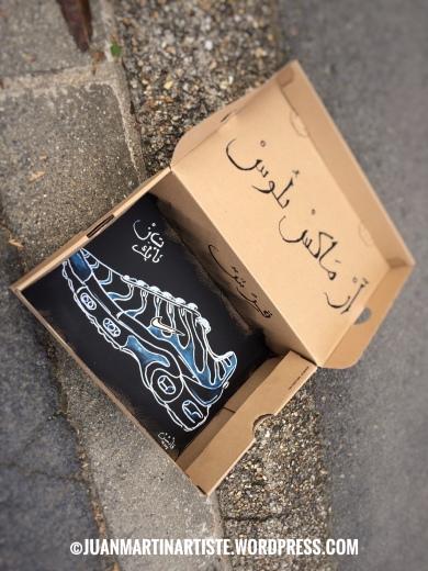 Tn de rue - posca sur boite carton